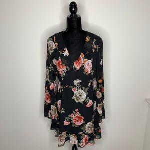 NWT Lulu's Floral Long Sleeve Dress Size Medium